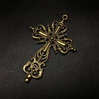 『金色の十字架』金属素材 63mm