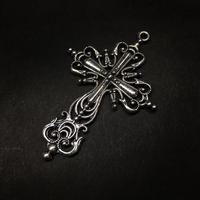 『銀色の十字架』金属素材 63mm