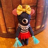 Mini Teddy キーホルダー 女の子