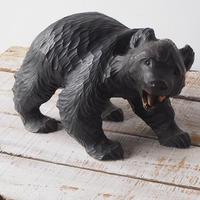 ガラス目の木彫りクマ[b]