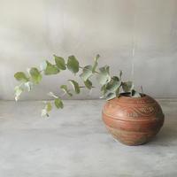 古風な丸花器
