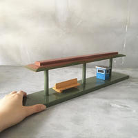 木製の停留所