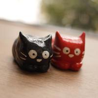 赤ねこ黒ネコ置物セット 鎌倉・日本製