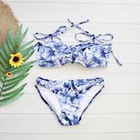 即納 Shoulder ribboned bandeau bikini Honor