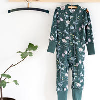 100%オーガニックコットン:Modeerskahuset Jumpsuit- Tree Walk