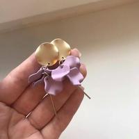 メタルゴールド花びらピアス/イヤリング