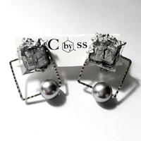 #cracked earrings from CbySS スクエアパール