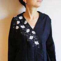 リネン羽織り・紺・白椿