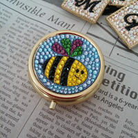 ミツバチのピルケース