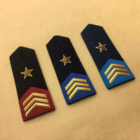 【コレクター商品】中国人民解放軍 07式 儀仗隊肩章 二級軍士長