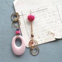 vintageスモーキーフープアシメピアス/イヤリング(ピンク)