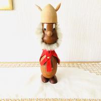 チーク製のモフモフお髭のバイキング/赤いケープ/特大サイズ