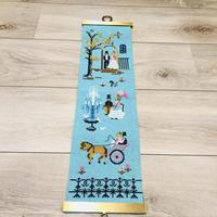 北欧刺繍のタペストリー/リネン地/ターコイズブルー