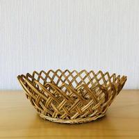 手編みのカゴ