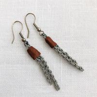 Sameslöjd/サーミ伝統手工芸品/錫とトナカイ革のピアス