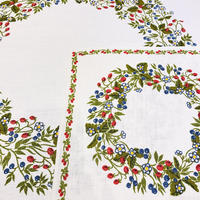 Frösö Handtryck AB/フルーソーハンドプリント/麻.綿混/プリントクロス/野いちごとブルーベリー柄/2枚セット