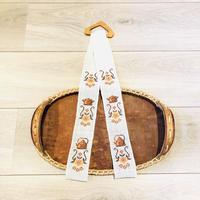 トレイハンガー/チークとリネン地/お花とケトルの刺繍