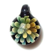 [MFN2-16] mini spread flower pendant