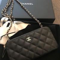 Chanel★(入手困難で嬉しい獲得)大人気chainWalletA82527BlackG