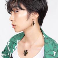 [小山兼吉商店] エレガントで繊細な技術が光るミモザモチーフのネックレス