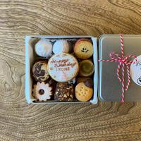 5/18-19日発送分【名入れ&ラッピング代込クッキー缶】HAPPY BIRTHDAY