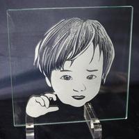 似顔絵ガラス サンドブラスト浅彫り