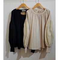 UJU[ウジュ] / バルーン袖刺繍Tシャツ(womens)