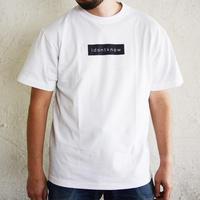 アイドントノウBOXプリントTシャツ(idontknowストアで購入できます)