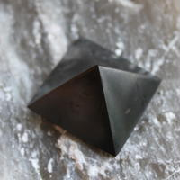 SCHUNGIT+pyramid 3x3 P
