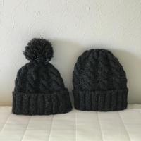 ペアなケーブル編みニット帽セット
