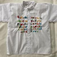 【3–4歳サイズ】たっぷり刺繍のホワイト半袖シャツ