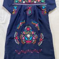 【5−6歳サイズ】キッズ メキシカン刺繍のワンピース(紺)