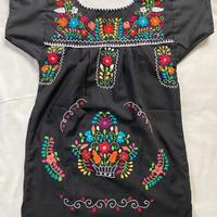 【3-4歳サイズ】キッズ メキシカン刺繍のワンピース(黒)