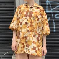 総柄 半袖シャツ