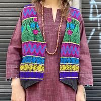 グアテマラ刺繍 ベスト