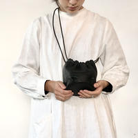 Inswirl KINCHAKU BAG SMALL【BLACK】