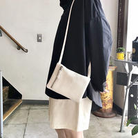 Inswirl    SHOULDER POUCH