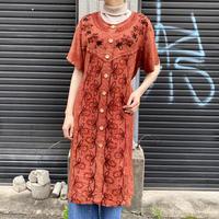 フロント刺繍ワンピース