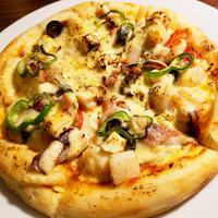 秘密のヴェールに包まれたSpecial海鮮ピザ【冷凍真空パック】