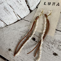 leather&pearl pierce by Luna