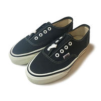 80's VANS DEADSTOCK AUTHENTIC MADE IN USA BLACK (BOYS)