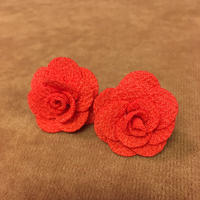 Rose ピアス 朱赤 小 薔薇