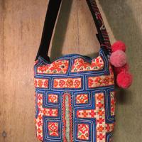 モン族 ショルダーバッグ 手刺繍 オレンジxブルー
