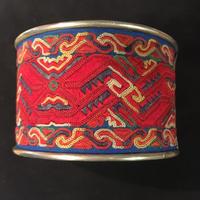 ミャオ族 バングル 刺繍アンティーク布 レッド boho hippie ボヘミアンアクセサリー ヒッピー エスニック