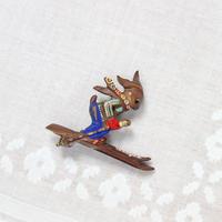 うさぎのスキーヤーブローチ*bakelite