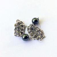black pearl chain pierced earring