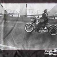 DANNY LYON Crossing the Ohio フォト Tシャツ XLブラック ダニー ライアンThe Bikeridersバイク 写真家 写真集ART美術館 芸術【deg】