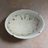 灰釉白瓷輪花鉢  019