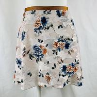 バックテイルラップスカート クレヨンフラワー ベージュ
