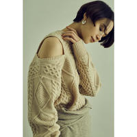 "【""little $uzie"" Original #3】Cut  Out  Shoulder Cable Knit (ls073)"